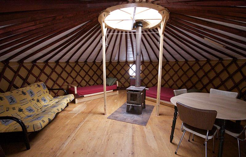 yourte. Black Bedroom Furniture Sets. Home Design Ideas
